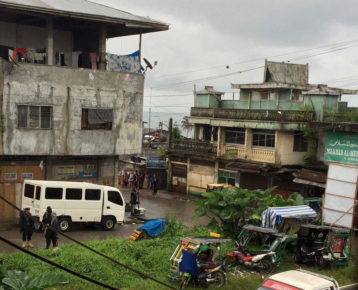 Терористи IДIЛ атакували Філіппіни: президент ввів військовий стан