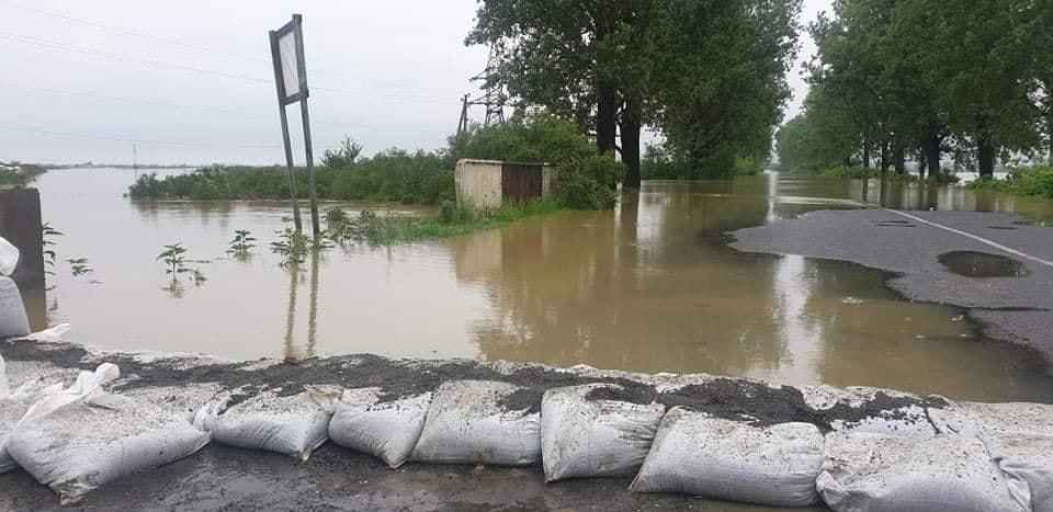 Смертельное наводнение на Закарпатье: фото и видео, снятые с земли и воздуха 10