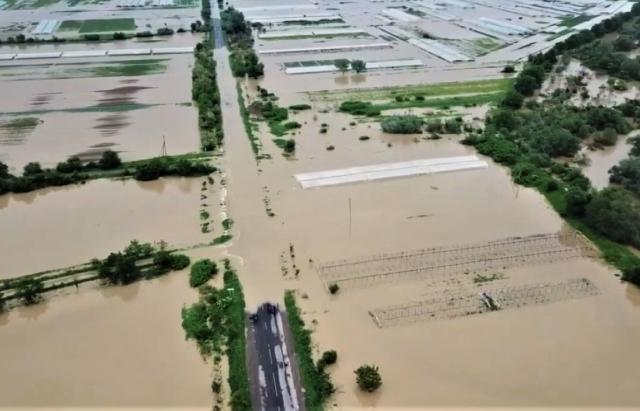 Смертельное наводнение на Закарпатье: фото и видео, снятые с земли и воздуха 5