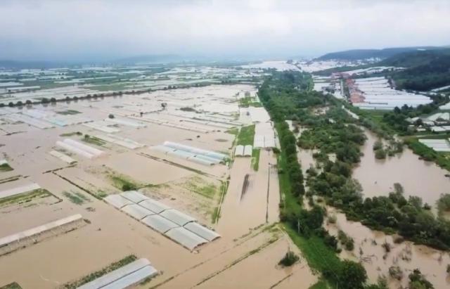 Смертельное наводнение на Закарпатье: фото и видео, снятые с земли и воздуха 1