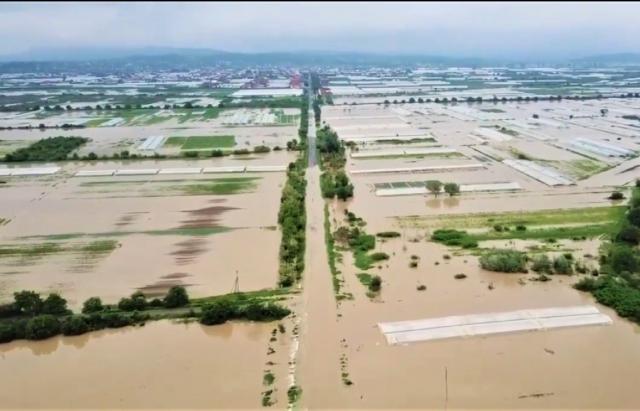 Смертельное наводнение на Закарпатье: фото и видео, снятые с земли и воздуха 3