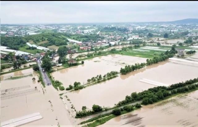 Смертельное наводнение на Закарпатье: фото и видео, снятые с земли и воздуха 7