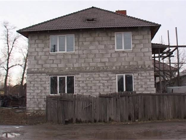 ВКиеве неизвестный выстрелил понедостроенному дому изгранатомета