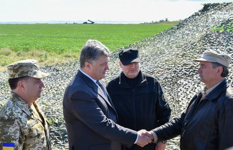Порошенко взяв участь узапуску нової української ракети