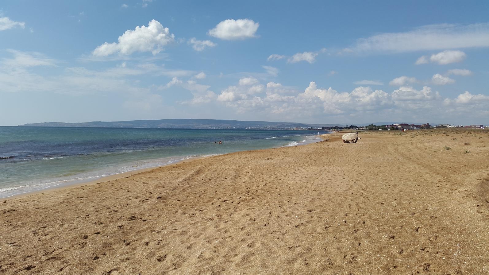 Фото на пустынном пляже 5 фотография
