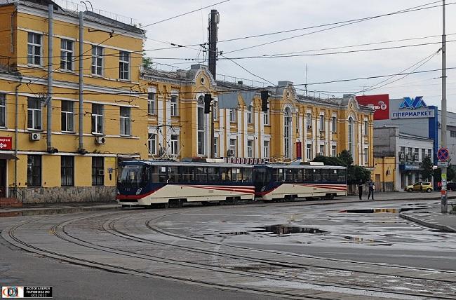 ВКиеве высокоскоростной трамвай сошел срельсов