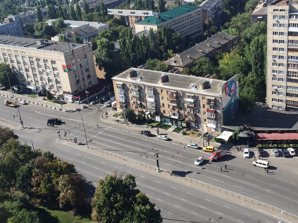 Массивные взрывы прогремели вКиеве: слышна автоматная стрельба, перекрыт бульвар Леси Украинки