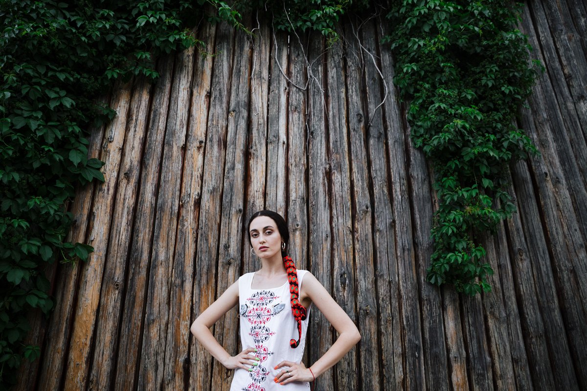 Зачитавшая перед Зеленским рэп эстрадная певица пояснила поездку вКрым