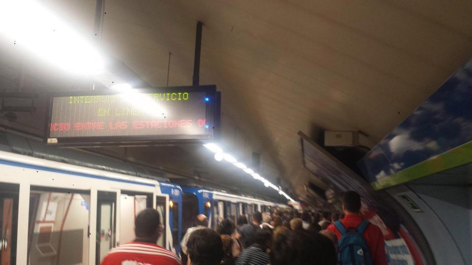 madrid metro and old man Die metro madrid ist die u-bahn der spanischen hauptstadt madrid das 293 kilometer lange streckennetz erschließt mit mittlerweile (mai 2015) 289 stationen nicht nur die stadt selbst, sondern auch mehrere vororte.