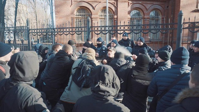 ВХарькове насъемочной площадке милиция иактивисты устроили драку