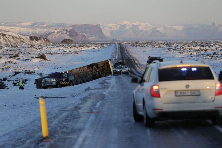 ВИсландии разбился автобус скитайскими туристами, есть жертвы