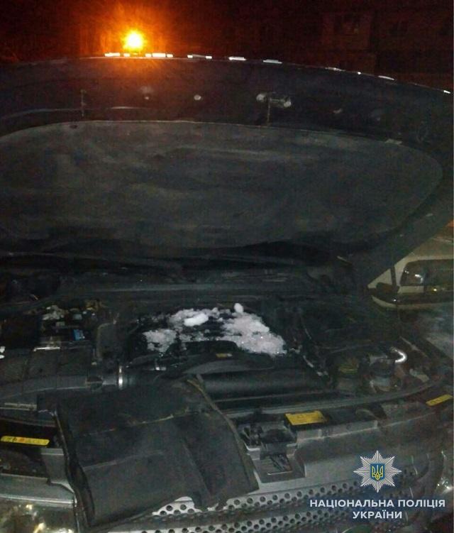 ВКиеве наБорщаговке утром взорвался вседорожный автомобиль