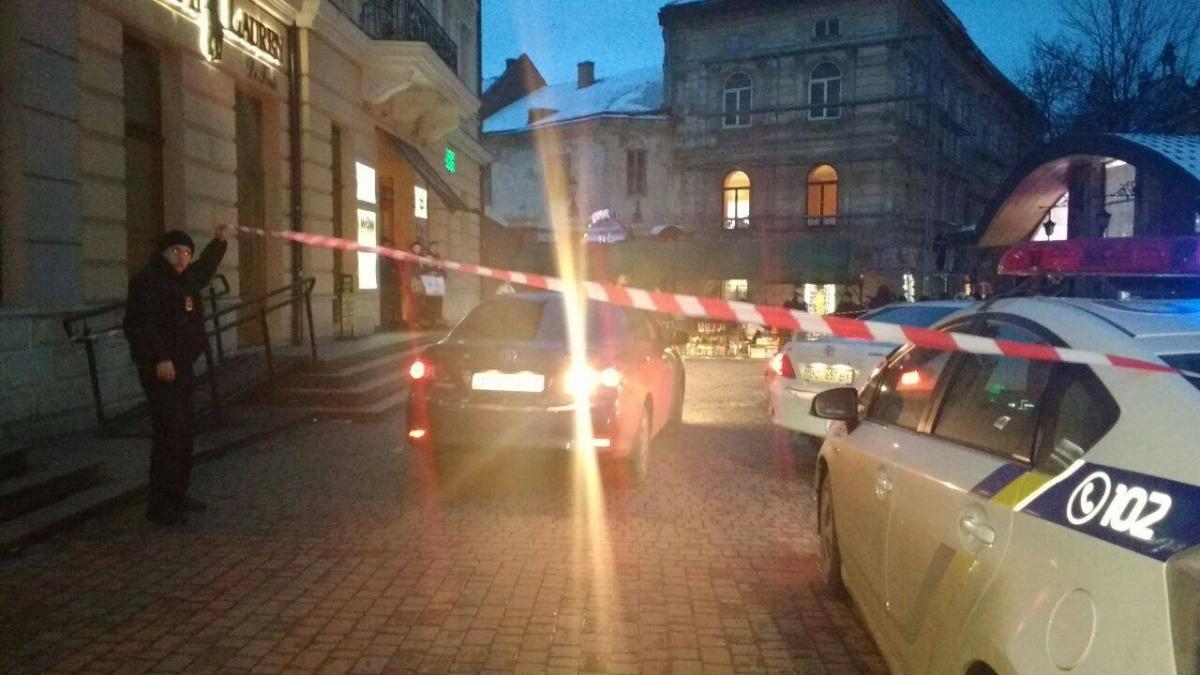 Вчетырех торгово-развлекательных центрах Львова ищут взрывное устройство