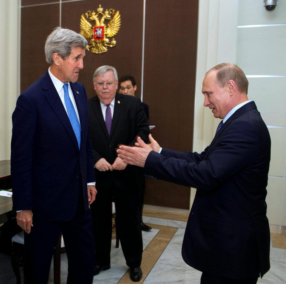 Россия и США борются за право влиять на украинскую политику