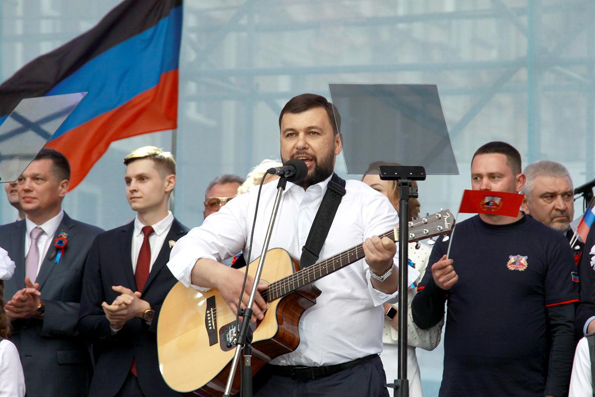 Для идейных сепаратистов и русских националистов особый статус Донбасса - это поражение
