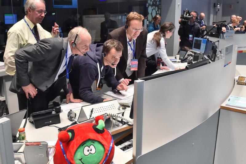Модуль «Филы» начал исследовать комету 67P, чтобы получить ключ к пониманию зарождения жизни на Земле