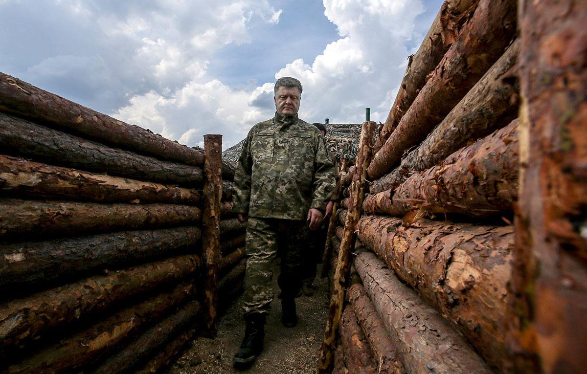 Президент пообещал, что в июле укрепрайоны будут полностью готовы