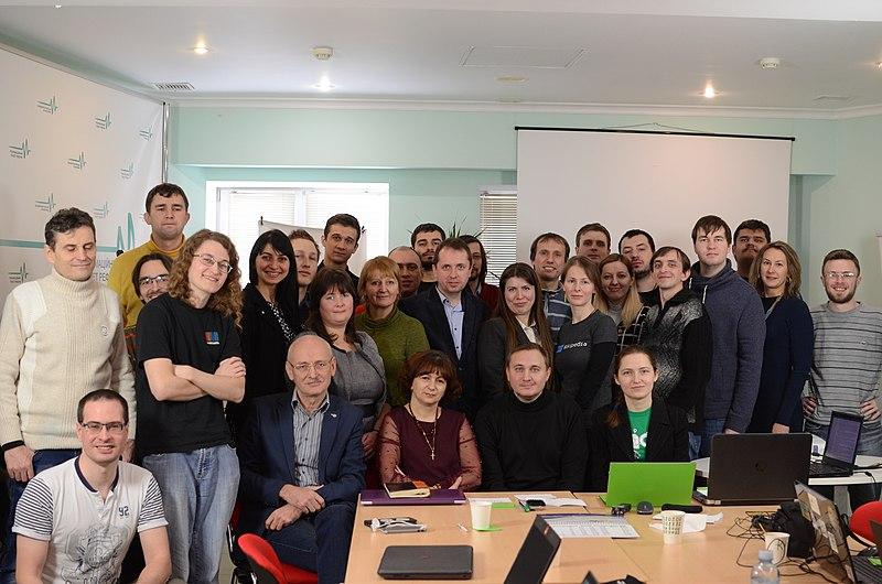 Частина членів організації Вікімедіа Україна на загальних зборах 2018 року