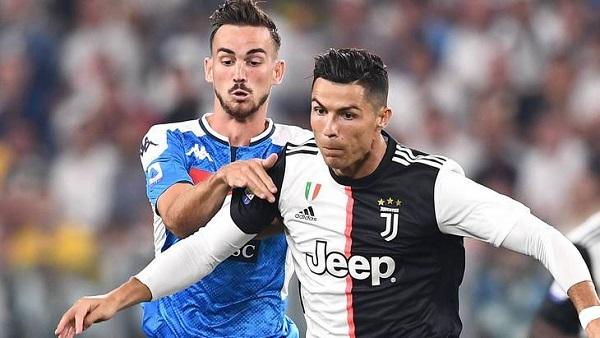 Наполи сенсационно обыграл Ювентус в чемпионате Италии