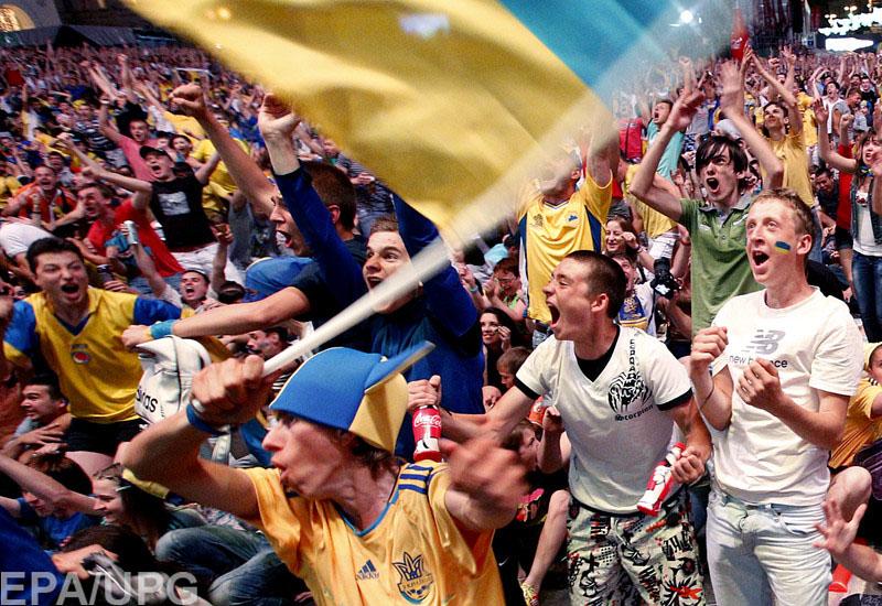 """Эксперты считают, что на оккупированных территориях найдется немало поклонников """"сине-желтых"""""""