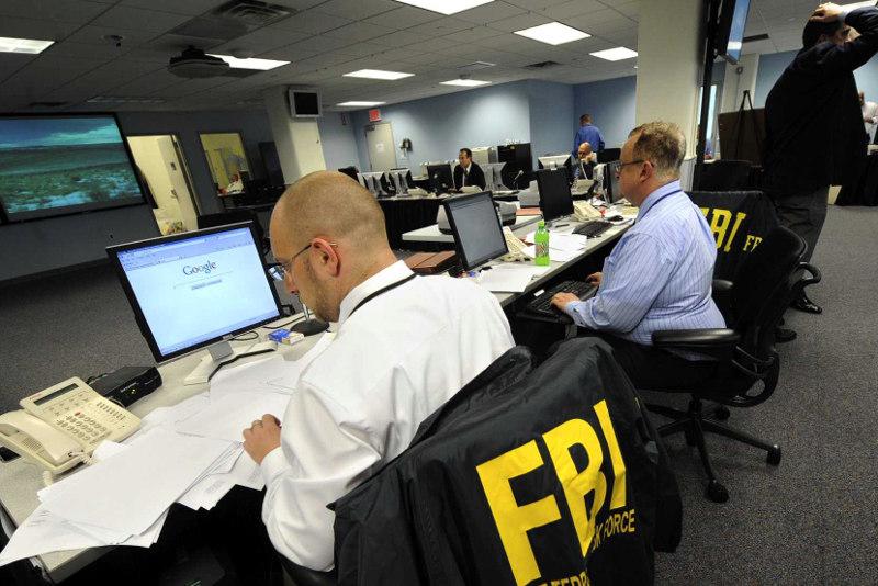 Трое граждан РФ подозреваются в сборе секретной информации на территории США
