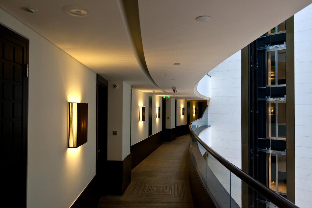 Столичные гостиницы заполнены всего лишь на треть