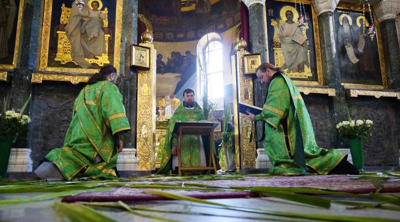 Какие традиции нужно соблюдать на Троицу
