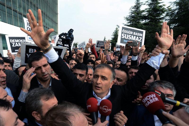 Турецкая полиция задержала ряд известных журналистов по обвинению в подрыве государственного суверенитета