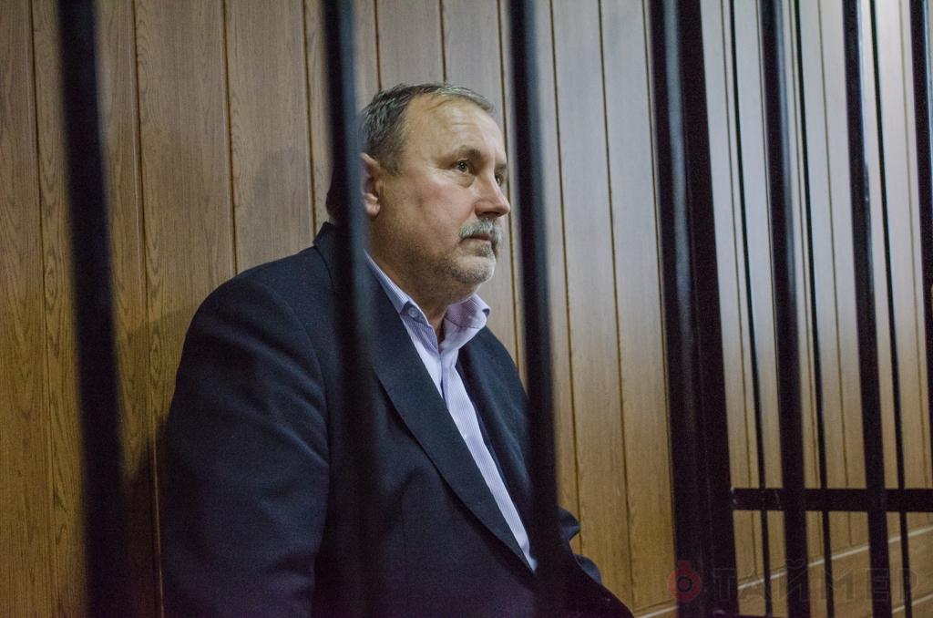 По мнению блогеров, с помощью госпитализации Николай Романчук хочет уйти от ответственности