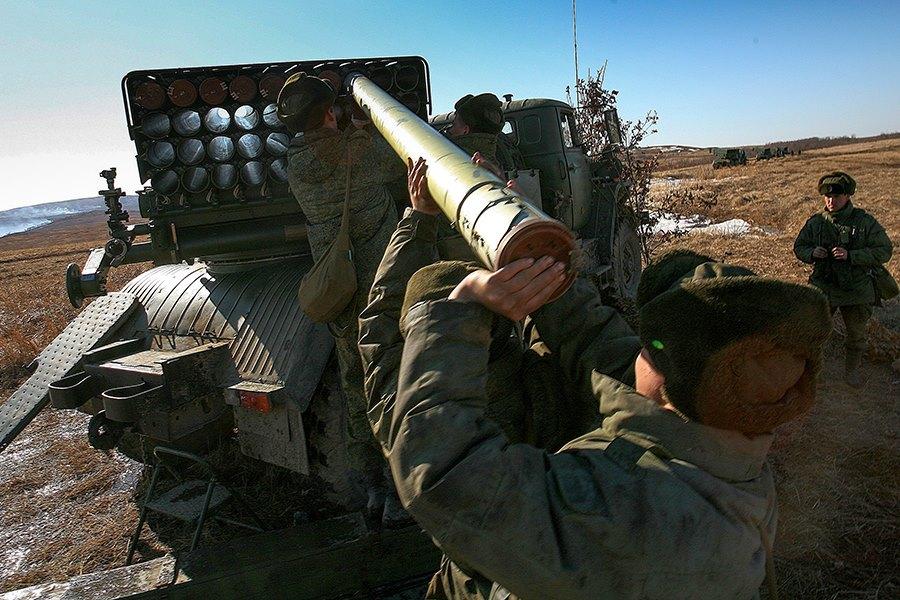 Российский военный эксперт пояснил, что означают тренировки армии РФ на оккупированном полуострове