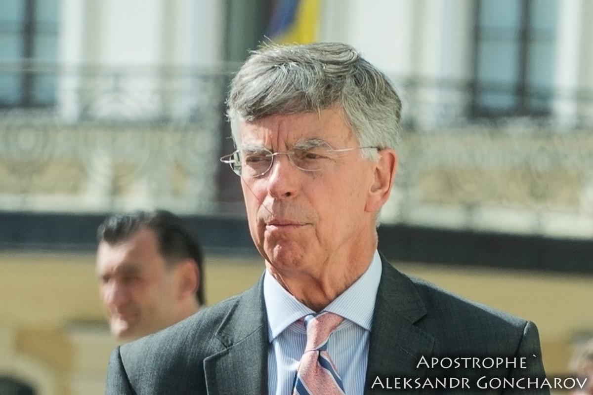 Американський дипломат вважає, що прямі переговори Зеленського з Путіним - це добре
