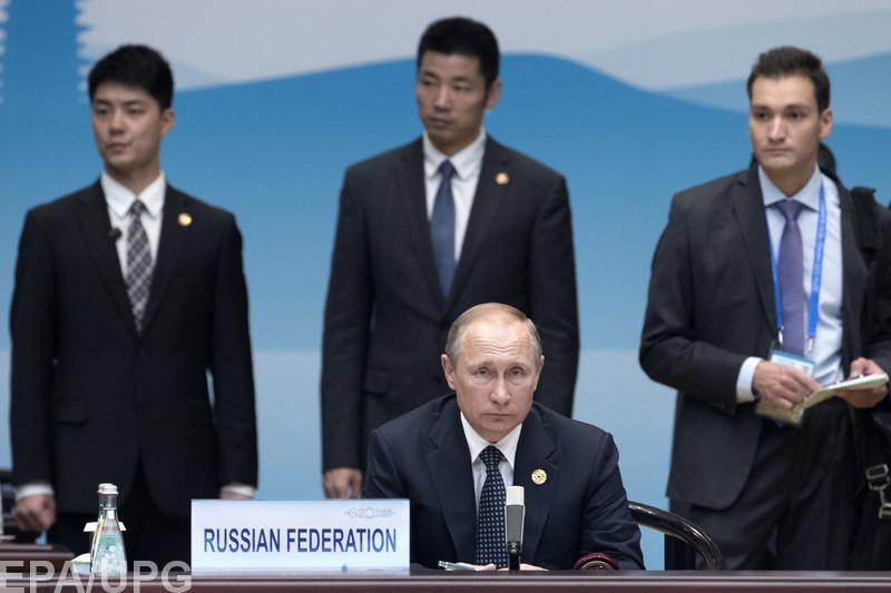 """Российский политолог удивляется, почему США позволяют Путину """"разводить"""" себя в сирийской проблематике"""