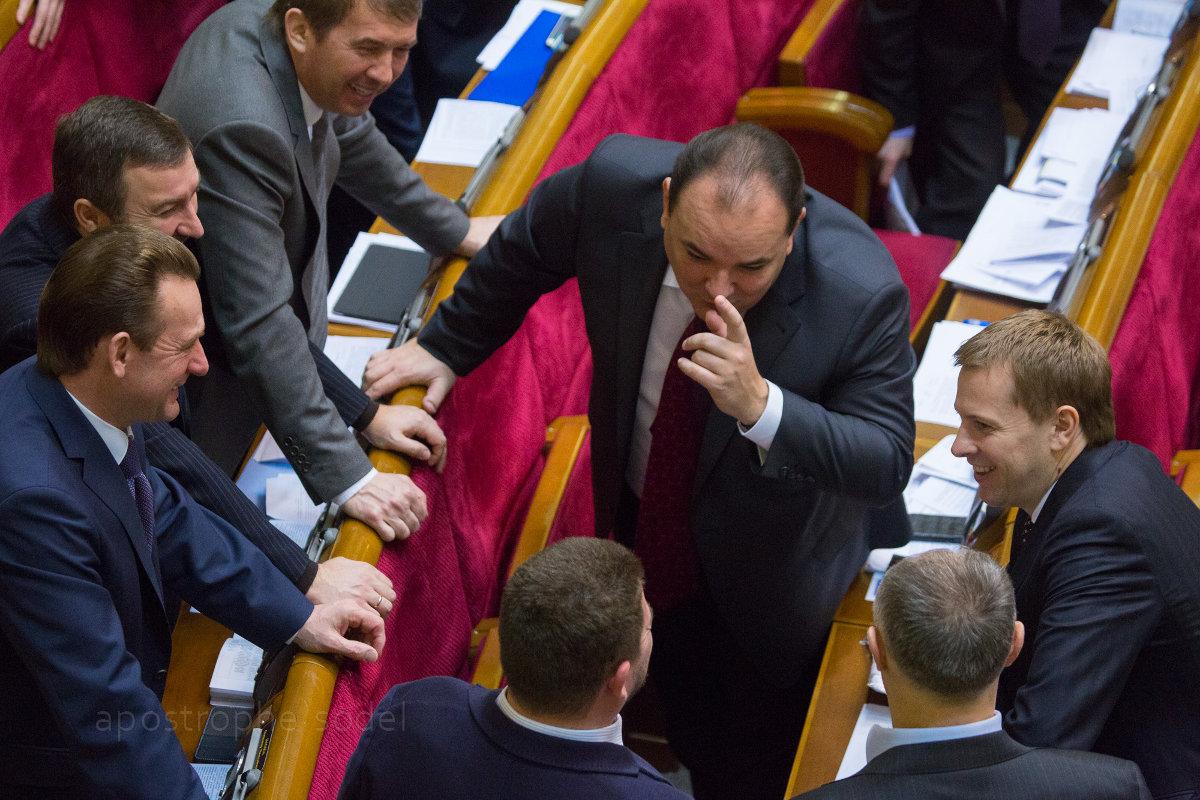 Новая политсила, состоящая из экс-депутатов Партии регионов, ведет активную раскрутку на местах
