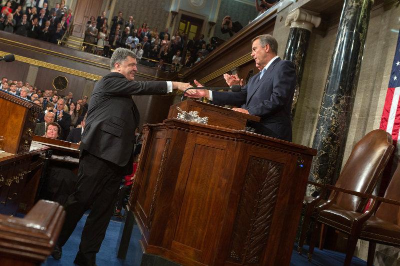 Соедиенные Штаты будут предоставлять экономическую и военную помощь Украине
