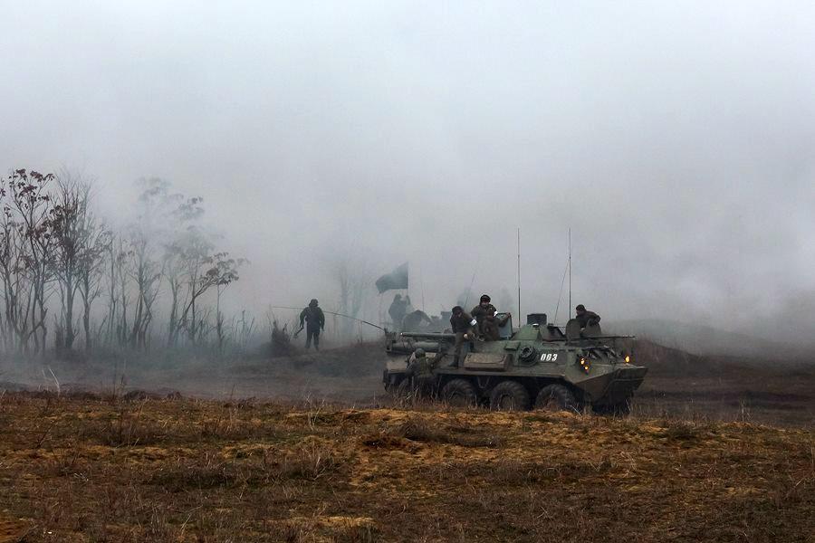 Оккупационная армия проводит учения, а крымчан вызывают в военкоматы