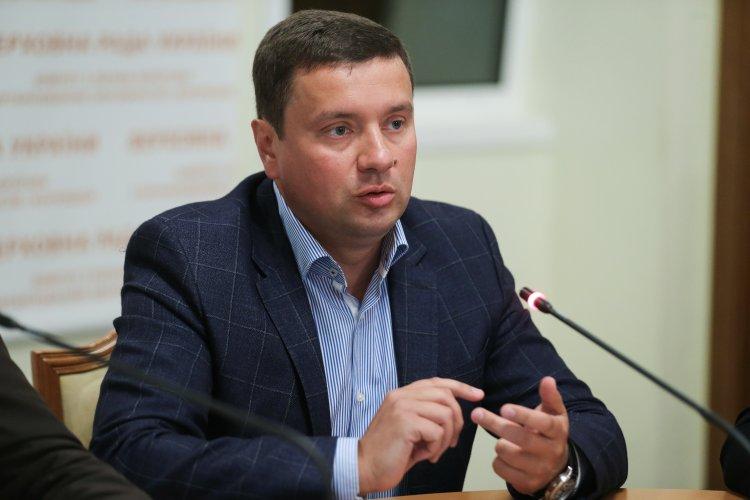 Украина пытается модернизировать свою экономику, а не только ходит с протянутой рукой по миру.