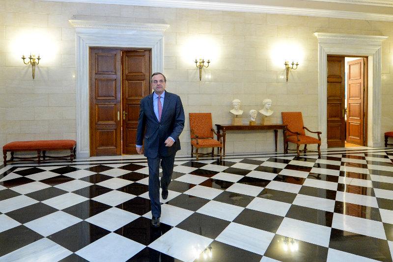 Досрочные президентские выборы стали причиной сильного спада греческого фондового рынка