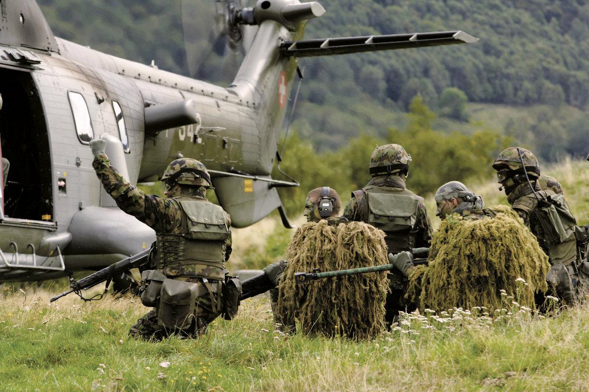 Эксперты раскритиковали инициативу Валерия Гелетея, предложившего комплектовать армию по швейцарскому принципу
