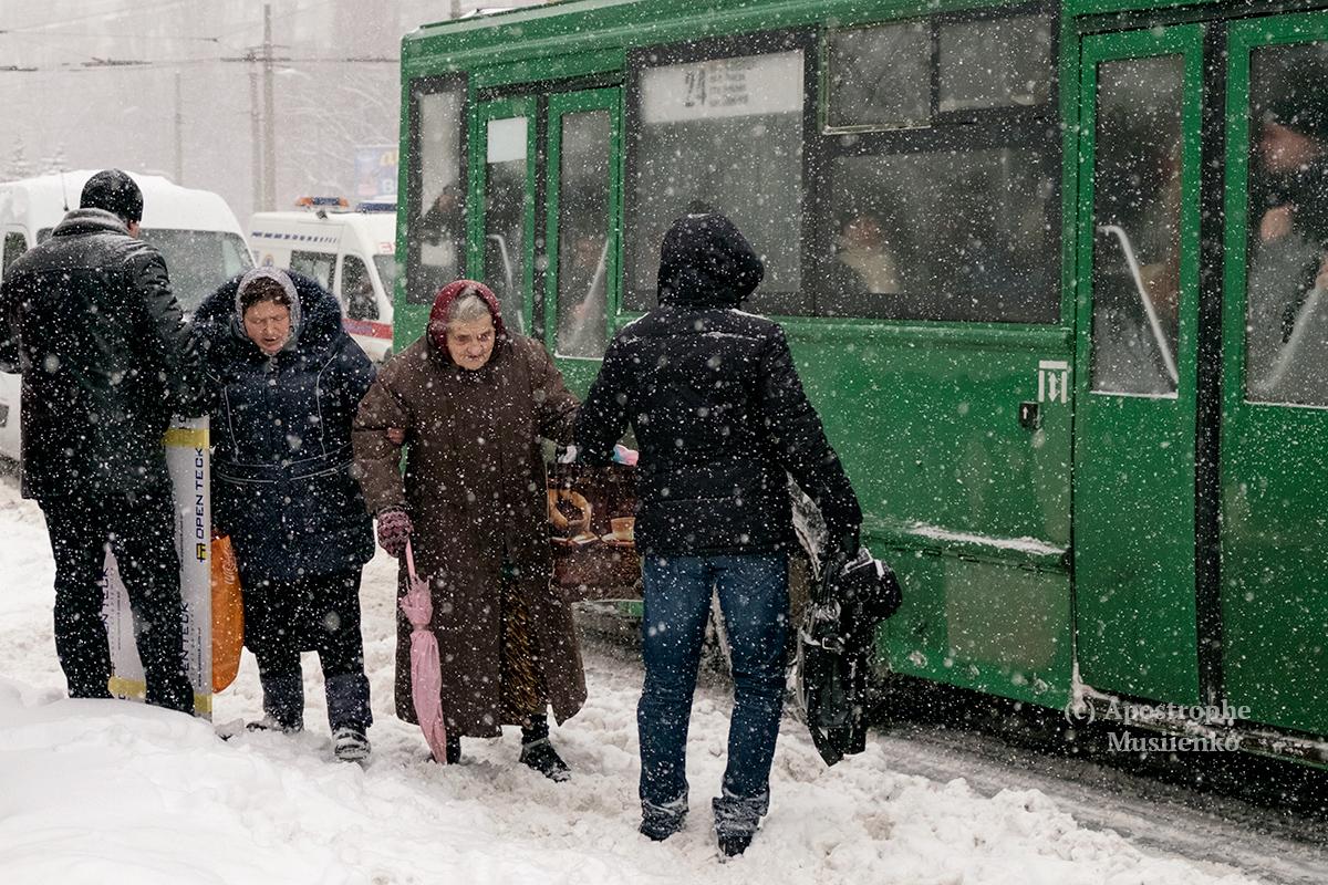 В столице выпало около 12 сантиметров снега