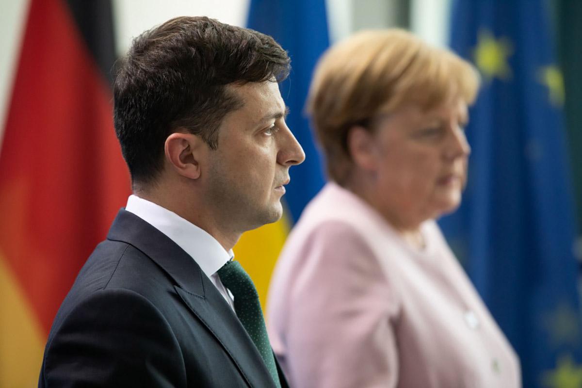 Почему во внешней политике Зеленский все больше напоминает своего предшественника