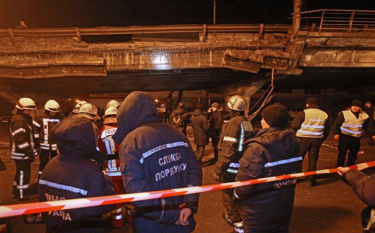 Пожары у Шулявского моста не повредили, но создали условия для ослабления конструкции