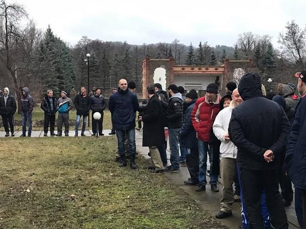 Геращенко: Колона з306 заручниками рухається до місця звільнення