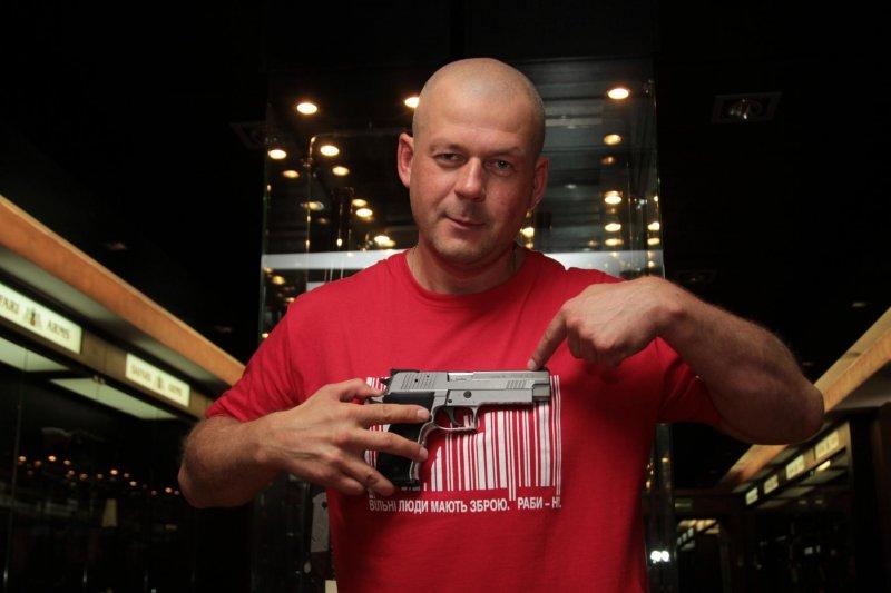 Глава Украинской ассоциации собственников оружия рассказал, почему необходимо легализовать право на вооруженную самозащиту