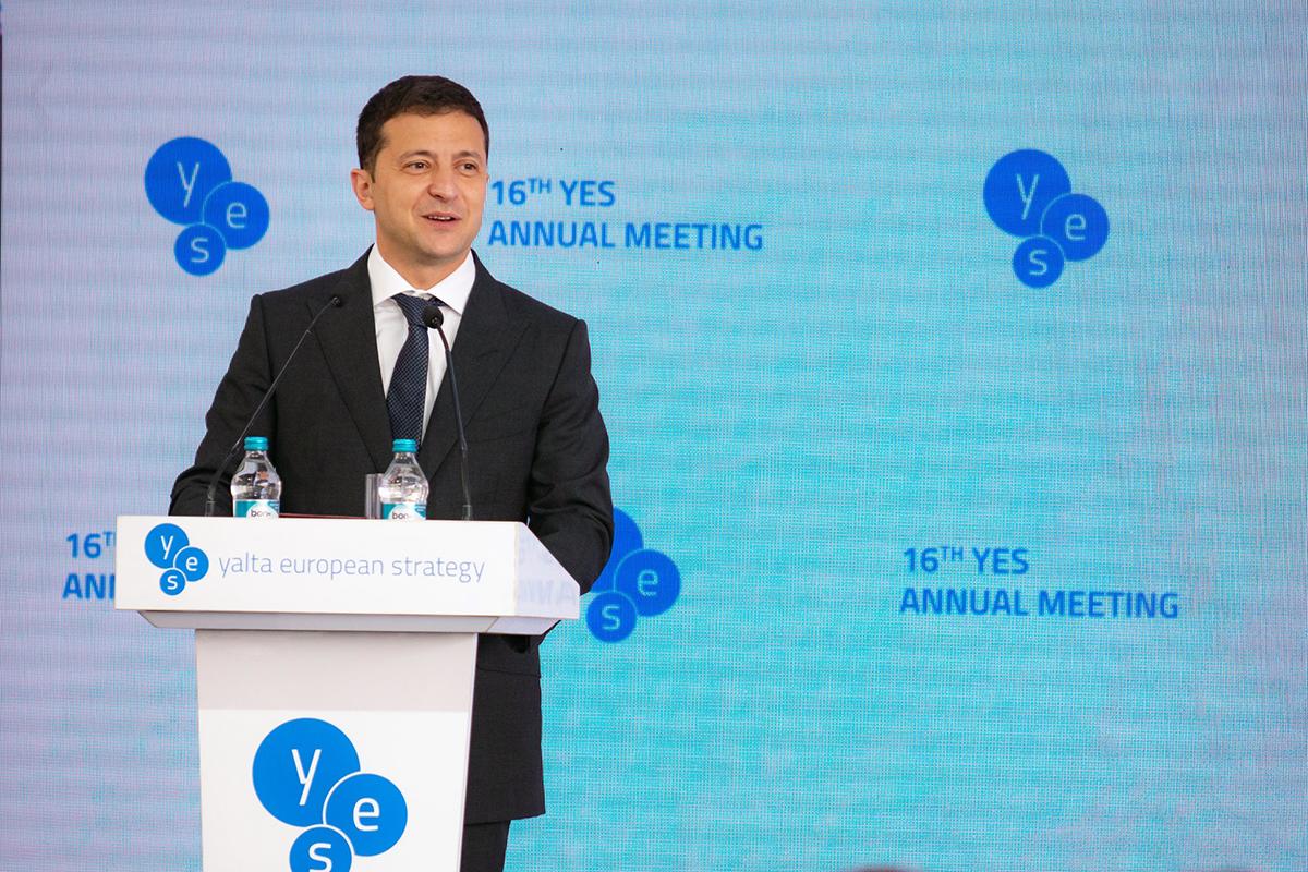 Президент зробив ряд заяв про Крим, Донбас, економіку і олігархів