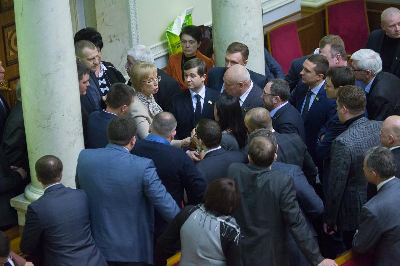 Изменения в антикоррупционное законодательство были приняты в первом чтении после длительных дискуссий