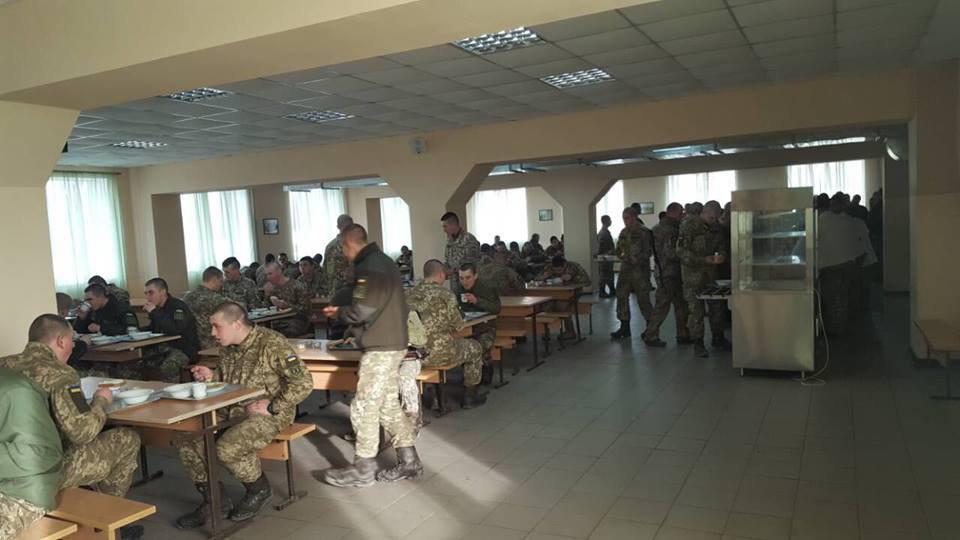 """Каковы в действительности """"успехи"""" эксперимента в системе питания, организованного Минобороны Украины?"""