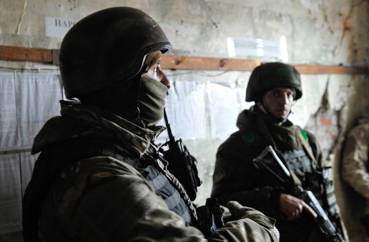Военное положение должно привлечь внимание других стран к украинской проблеме или отвлечь украницев от внутренних проблем?