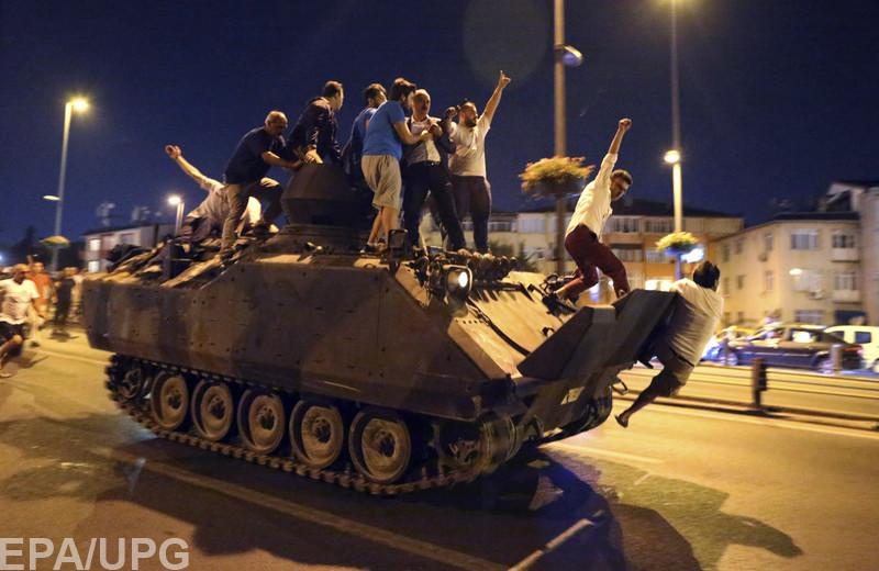Эксперт по ближневосточной политике объяснил, что же случилось в ночь на 16 июля в Турции