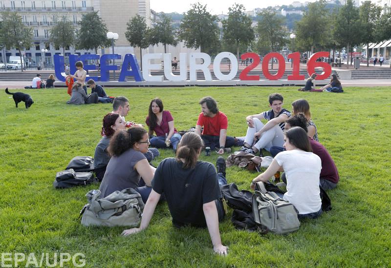 Нелегкая экономическая ситуация в стране не остановит фанатов перед поездкой во Францию