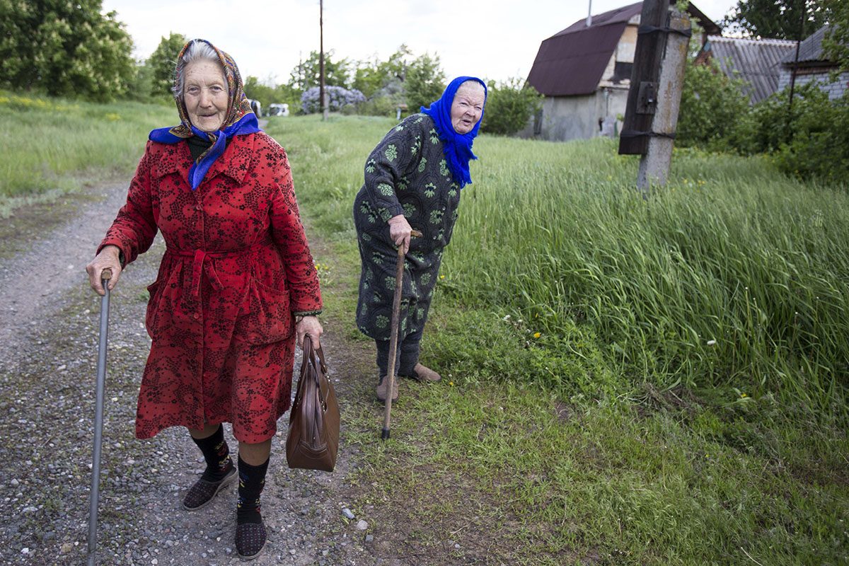 """Корреспондент """"Апострофа"""" побывал в прифронтовых селах"""